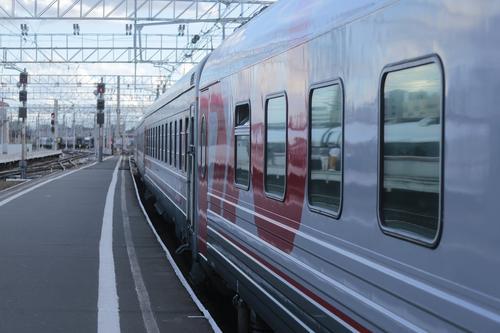 Аналитики сервиса OneTwoTrip перечислили наиболее бюджетные варианты поездки на поезде по России в августе