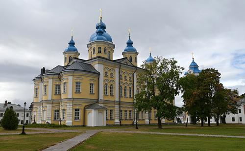 Путин посетил Коневский Рождество-Богородичный мужской монастырь