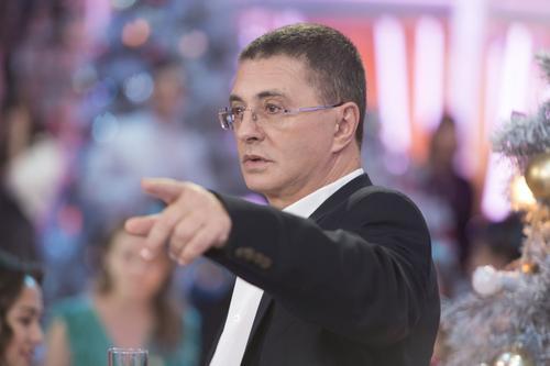 Мясников заявил, что 80% граждан в России заражаются COVID-19 из-за «суперраспространителей»