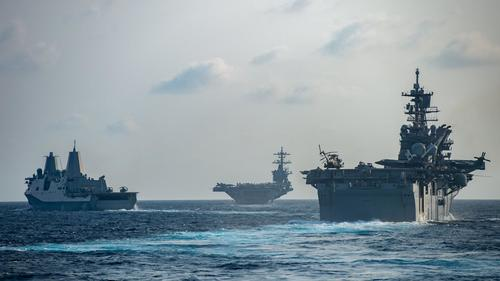 США на крупнейших маневрах демонстрирует войну одновременно против России и Китая, возможны провокации