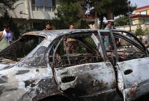 Возле дома и.о. министра обороны Афганистана в Кабуле взорвался заминированный автомобиль