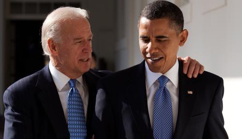 Байден поздравил Обаму с 60-летием