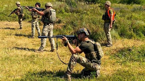 Донецкий журналист Замдыханов: военные ДНР несут «беспрецедентные» потери из-за ударов армии Украины