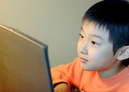 В Китае игроманию детей и подростков приравнивают к наркозависимости