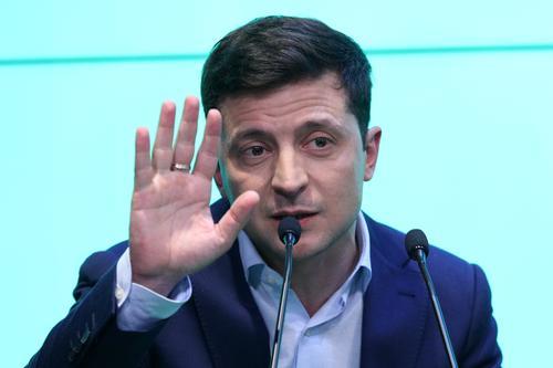 Зеленский заявил, что не может завершить конфликт в Донбассе, поскольку в этом вопросе от него зависит не всё