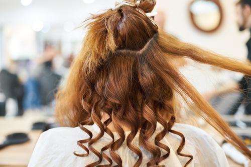 Эндокринолог Павлова заявила, что правильное питание и спорт помогают восстановить волосы после COVID-19