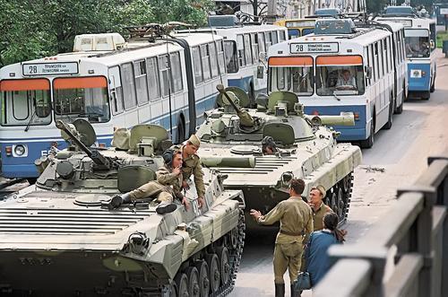 Бывший генпрокурор России Валентин Степанков рассказал о последних днях путча в 1991 году