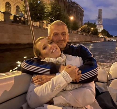 Романтичное фото: Богомолов показал себя и Собчак без ретуши