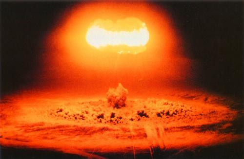 Уехавший на Украину публицист Стомахин назвал единственной возможностью справиться с «агрессией Москвы» ядерный удар по России