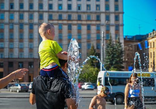В России предлагают ввести надежную систему поддержки семей с детьми