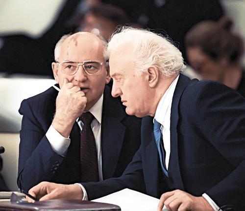Первый губернатор Чукотки Александр Назаров рассказал, как Шеварднадзе и Горбачев хотели отдать полуостров США