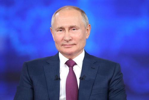 Путин рассказал, что в детстве мечтал стать моряком, летчиком или разведчиком