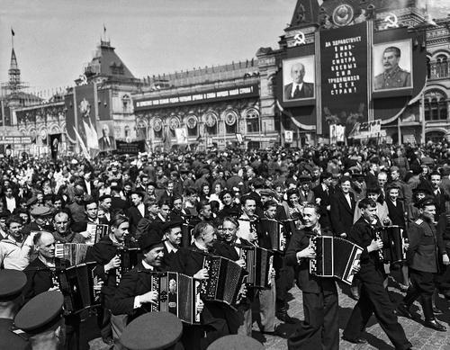 Политтехнолог Газенко: при Сталине у нас был умный народ, а сейчас нас призывают быть такими, как милохины, бузовы