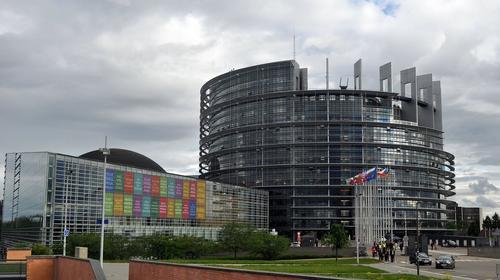 Европарламент утвердил доклад литовского депутата Кубилюса с призывом к ЕС о пересмотре отношений с Россией