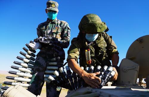 Обозреватель Акопов: в случае войны США с Китаем и Россией «погибнут все»