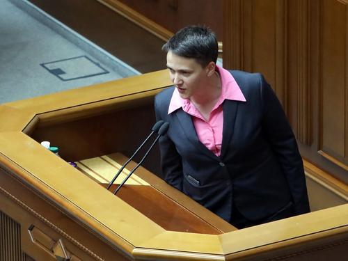 Надежда Савченко: подписанную президентом Зеленским военную стратегию Украины утверждало посольство США