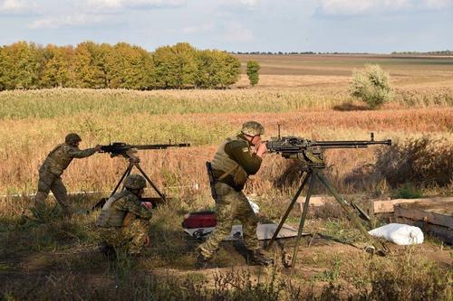 Киевский политолог Бортник: из-за войны в Донбассе Украина потеряла от 350 до 450 млрд долларов