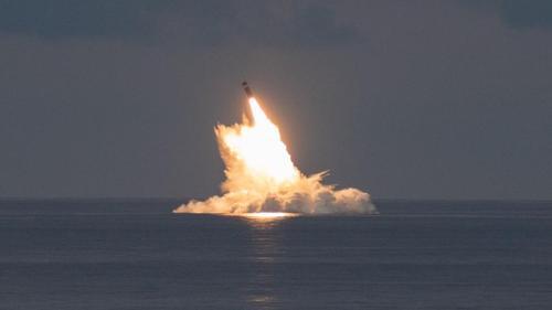 ВМС США провели подводные пуски баллистических ракет способных нести ядерные боеголовки
