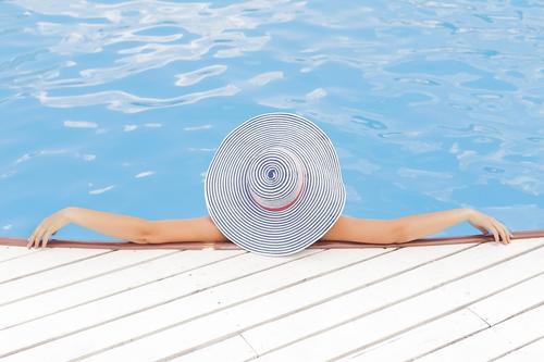 Опрос показал, что для большинства россиян идеальным отпуском является отдых продолжительностью четыре и более недель