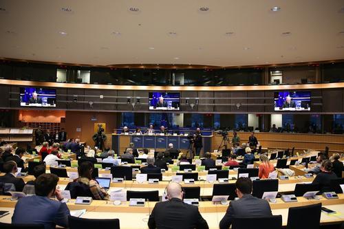 Украинский публицист Виталий Семченко: в случае отключения от SWIFT Россию может ждать валютный шок и дефицит продуктов