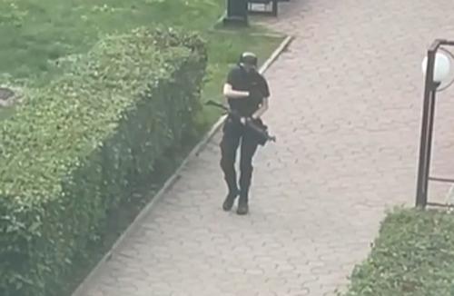 Пострадавший при атаке в Перми рассказал, что нападавший стрелял, не пытаясь прицеливаться