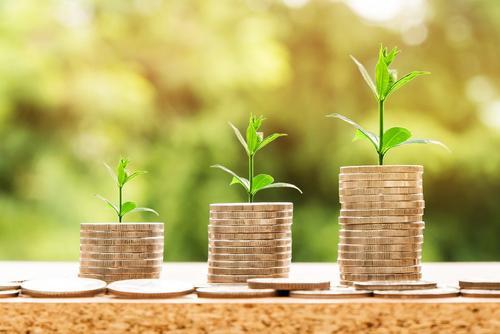 Экономист Остапкович предложил «более фундаментально, более макроэкономически» бороться с бедностью в РФ