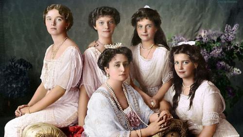 РПЦ признает подлинность царских останков