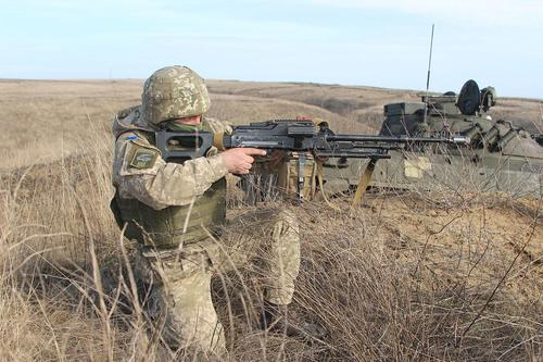 Sohu: военная помощь США может обернуться для Украины вооруженным конфликтом с Россией