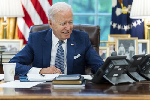 Президент США Байден заявил о планах увеличить нагрузку на людей со сверхдоходами и большие корпорации страны