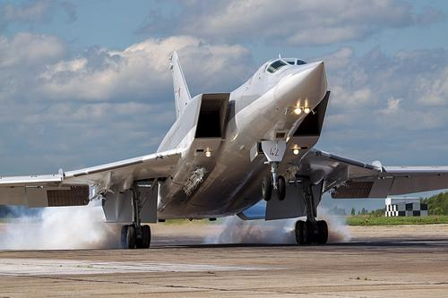 Antidiplomatico: российские ракетоносцы Ту-22М3 могут уничтожить флот НАТО в Средиземном море за два часа