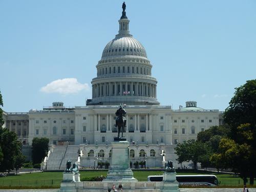 В США готовят санкции против 35 российских чиновников и бизнесменов