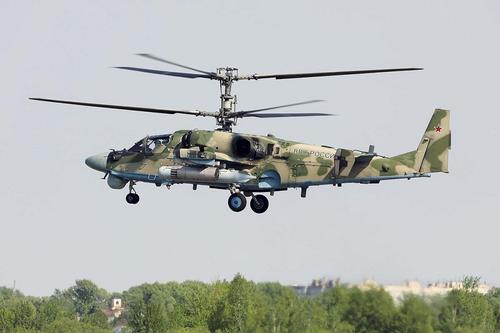 Ресурс Avia.pro: российский боевой вертолет Ка-52 «Аллигатор» пролетел над позициями военных США на севере Сирии