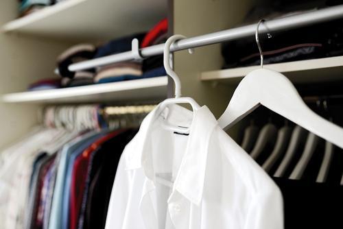 Стилист Дорохова заявила, что создание индивидуального гардероба следует начать с изучения своей внешности
