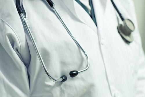 В Екатеринбурге от последствий коронавируса скончался привитый от СOVID-19 мужчина