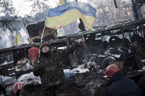 Киевский политолог Погребинский назвал одним из условий для нового Майдана на Украине «массированную поддержку извне»