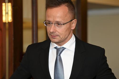 Глава МИД Венгрии Сийярто дал понять Киеву, что никто не может вмешиваться в решения страны в сфере энергетики