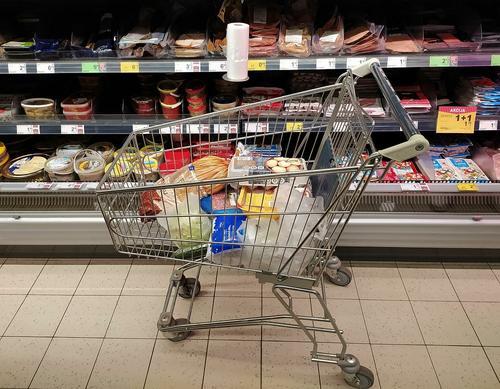 Экономист Хазанов спрогнозировал рост цен на продукты в ближайшие месяцы