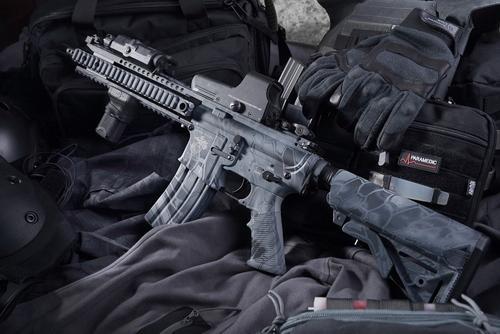 Полиция задержала мужчину, открывшего стрельбу из страйкбольного ружья в Москве