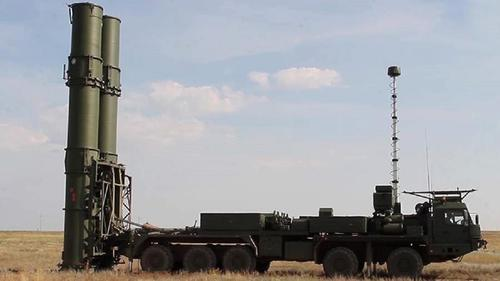 В Войска ПВО поступил первый бригадный комплект зенитной ракетной системы С-500