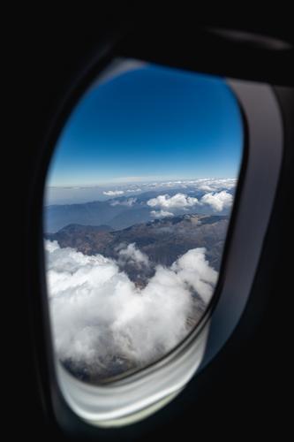 Россия возобновляет регулярное авиасообщение с девятью странами