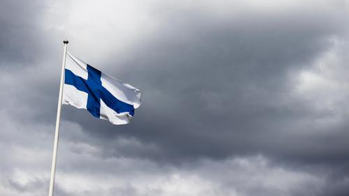 Мантуров предложил Финляндии пускать привитых «Спутником V» россиян без тестов