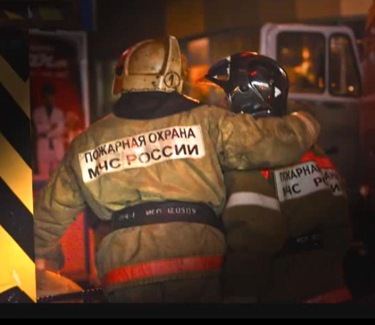 При пожаре в семейном детдоме на Урале погибли женщина и ребенок