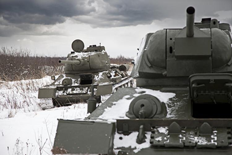 Навальный о золотых пистолетах: а сколько же они имеют на танках?