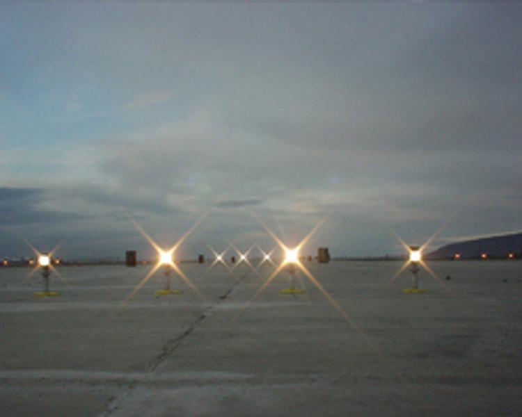 Сломанный маяк заставил 30 самолетов облететь Внуково стороной