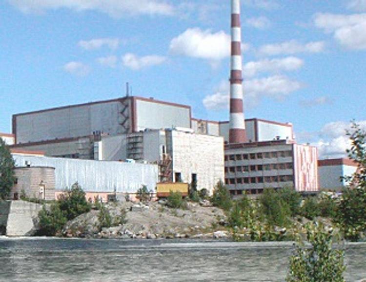 Из-за сбоя в работе 4-й  энергоблок Кольской АЭС был остановлен почти на сутки