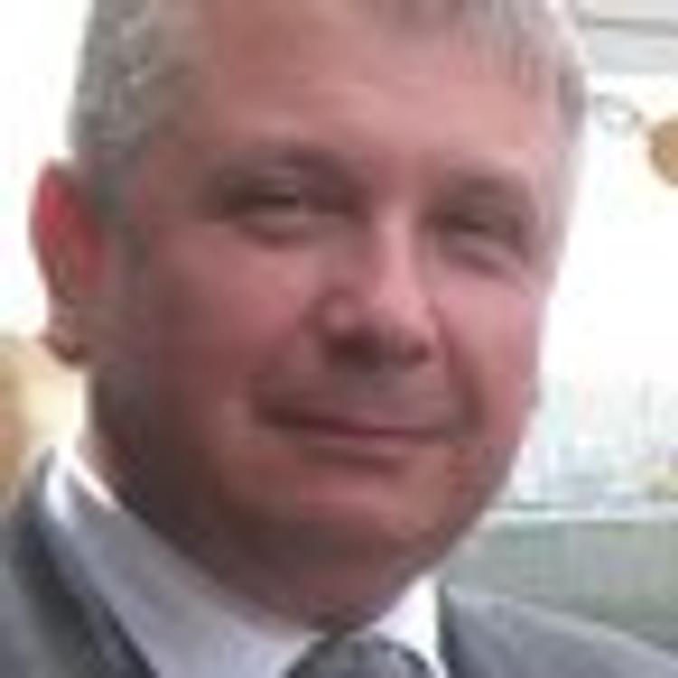 Избитый в Гааге дипломат Бородин покинул Голландию