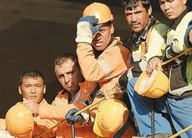 В 2014 году российское общество пополнят 100 тысяч мигрантов
