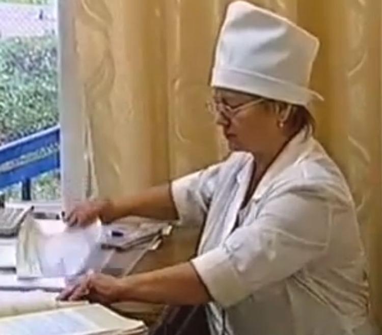 """Скворцова назвала """"писанину"""" врачей безобразием"""