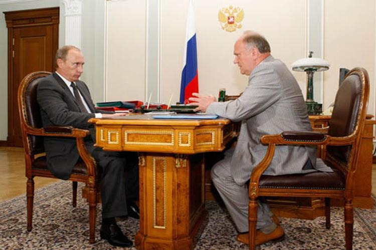 Зюганов надеется, что правительство отправится в отставку после Олимпиады