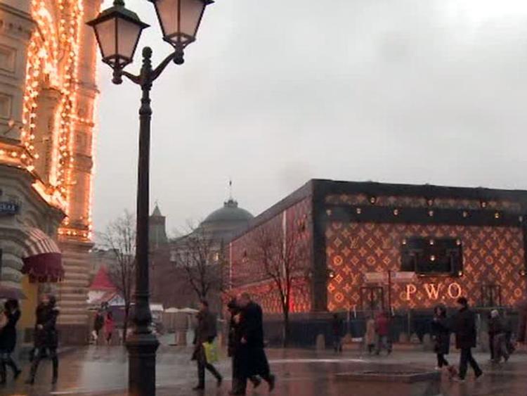 Чемодан Louis Vuitton: и закрыть жалко, и пристроить некуда